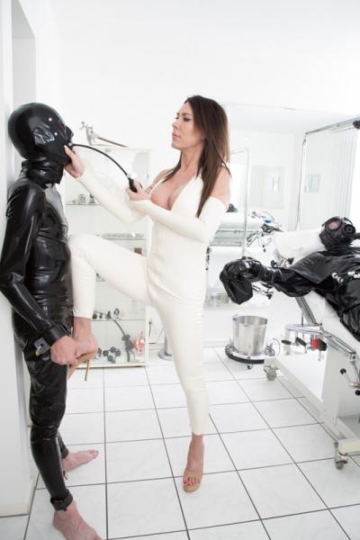 Eva kiss pornstar