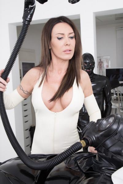 Blog domination female-6012